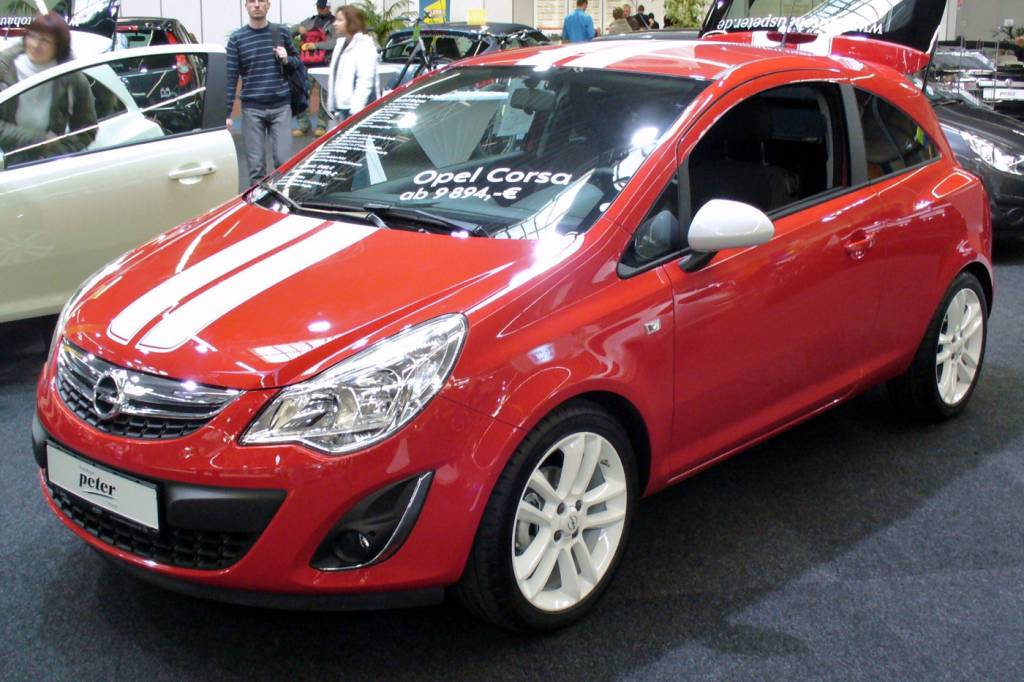 008_Opel_Corsa_D_Colour_Stripes