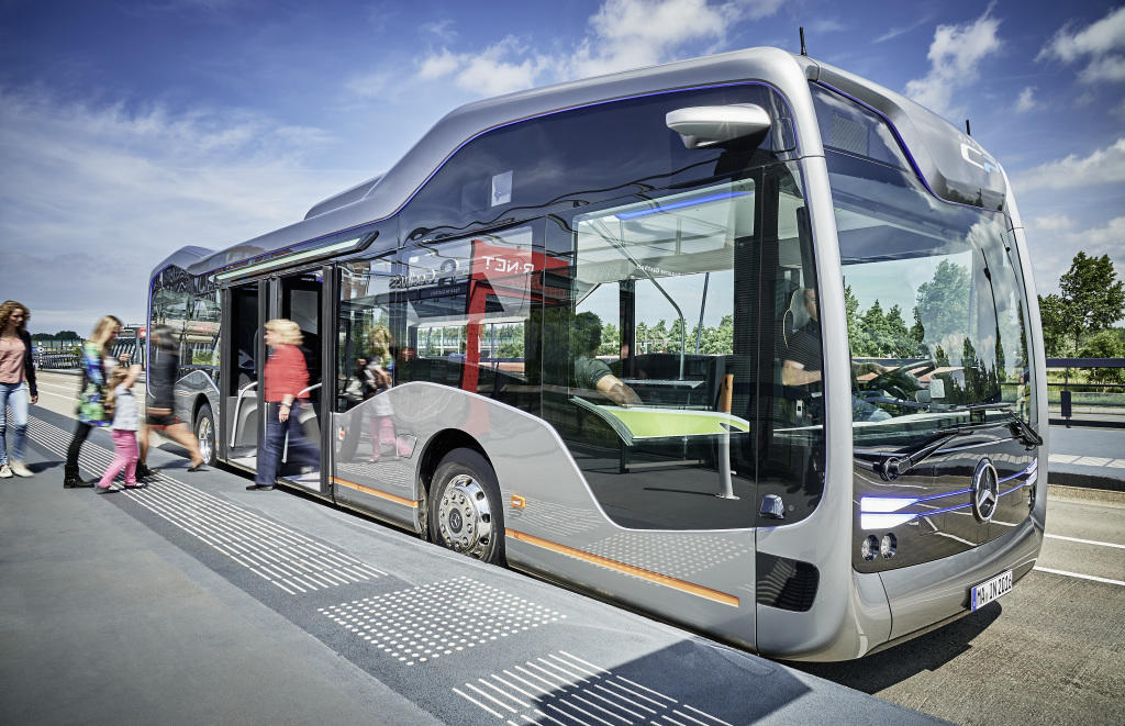Mercedes-Benz Future Bus mit CityPilot (2016)