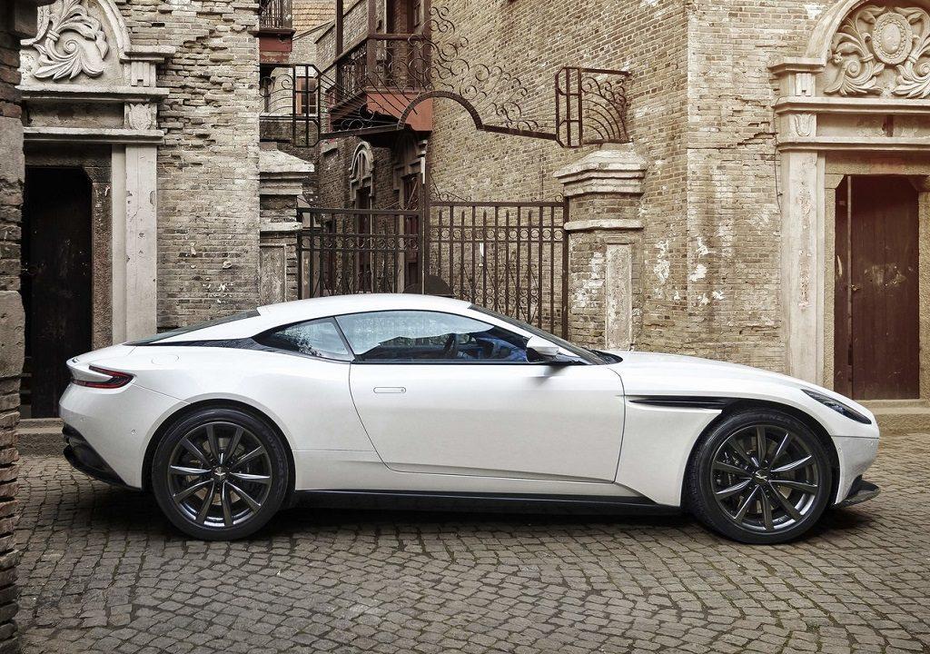 Aston_Martin-DB11_V8-2018-1280-03-1024×720