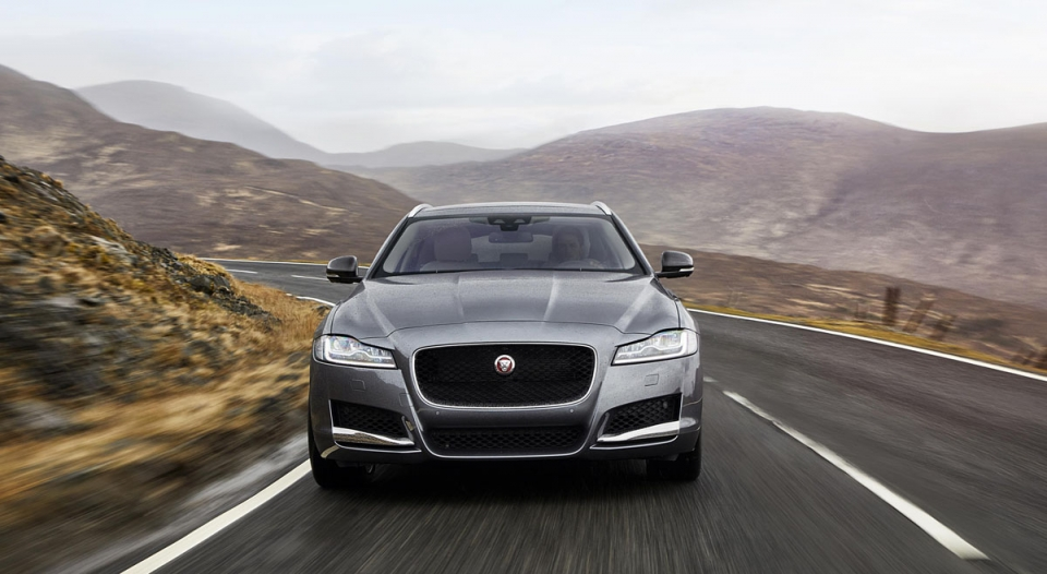 Jaguar_XF-Sportbrake_Location_Exterior_140617_13-960×600 (1)