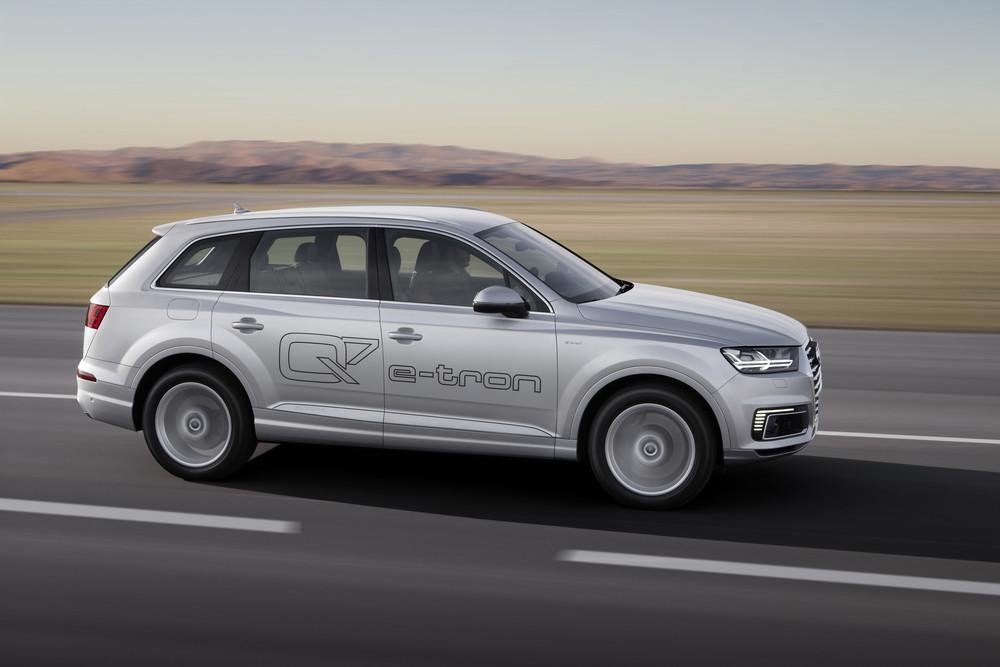 Audi Q7 e-tron 2.0 TFSI quattro (offer on the Chinese market)