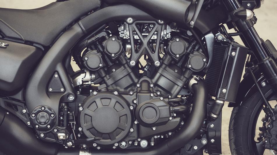 yamaha-vmax-60th-anniversary-shows-how-the-bike-should-really-be-like-photo-gallery-5