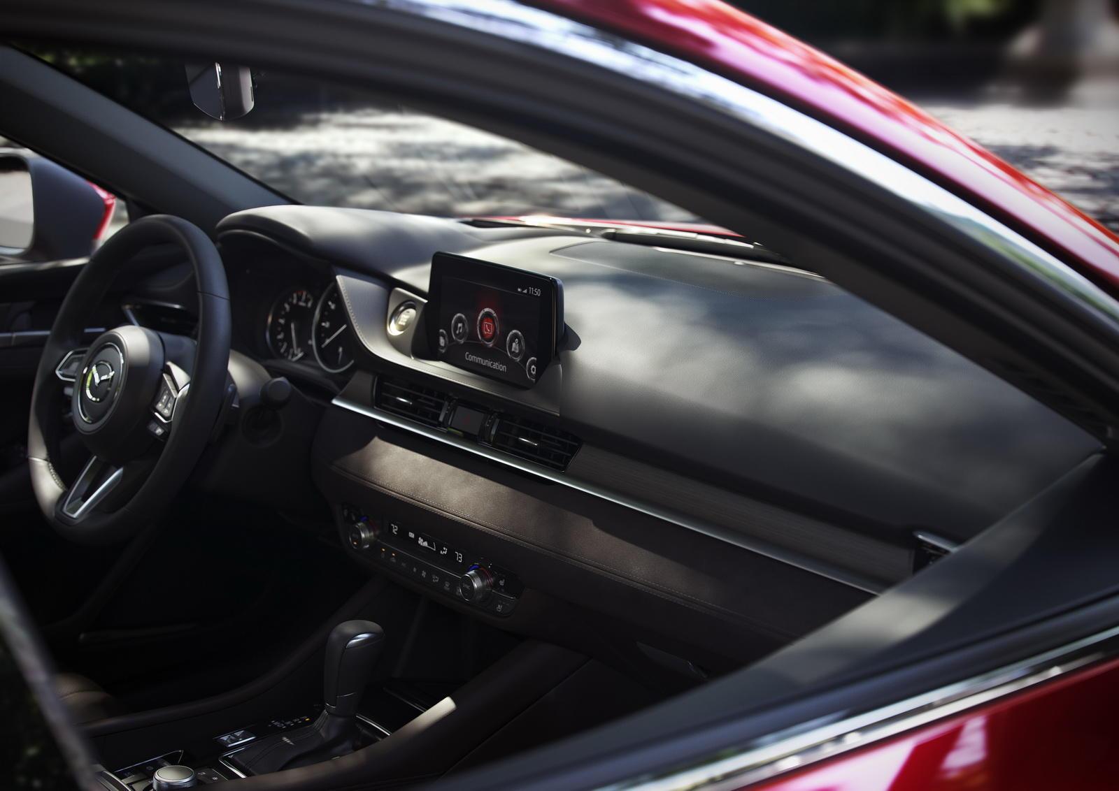 2018-Mazda6-02