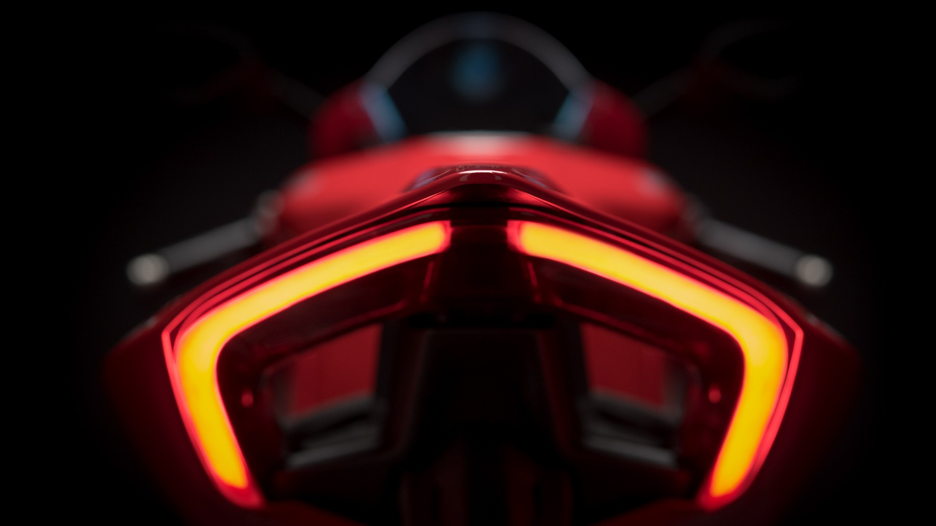 2018-ducati-panigale-v4-breaks-cover-and-is-amazing-4
